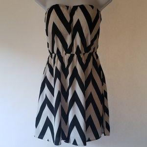 Black & White Chevron Dress w/Back Cutouts